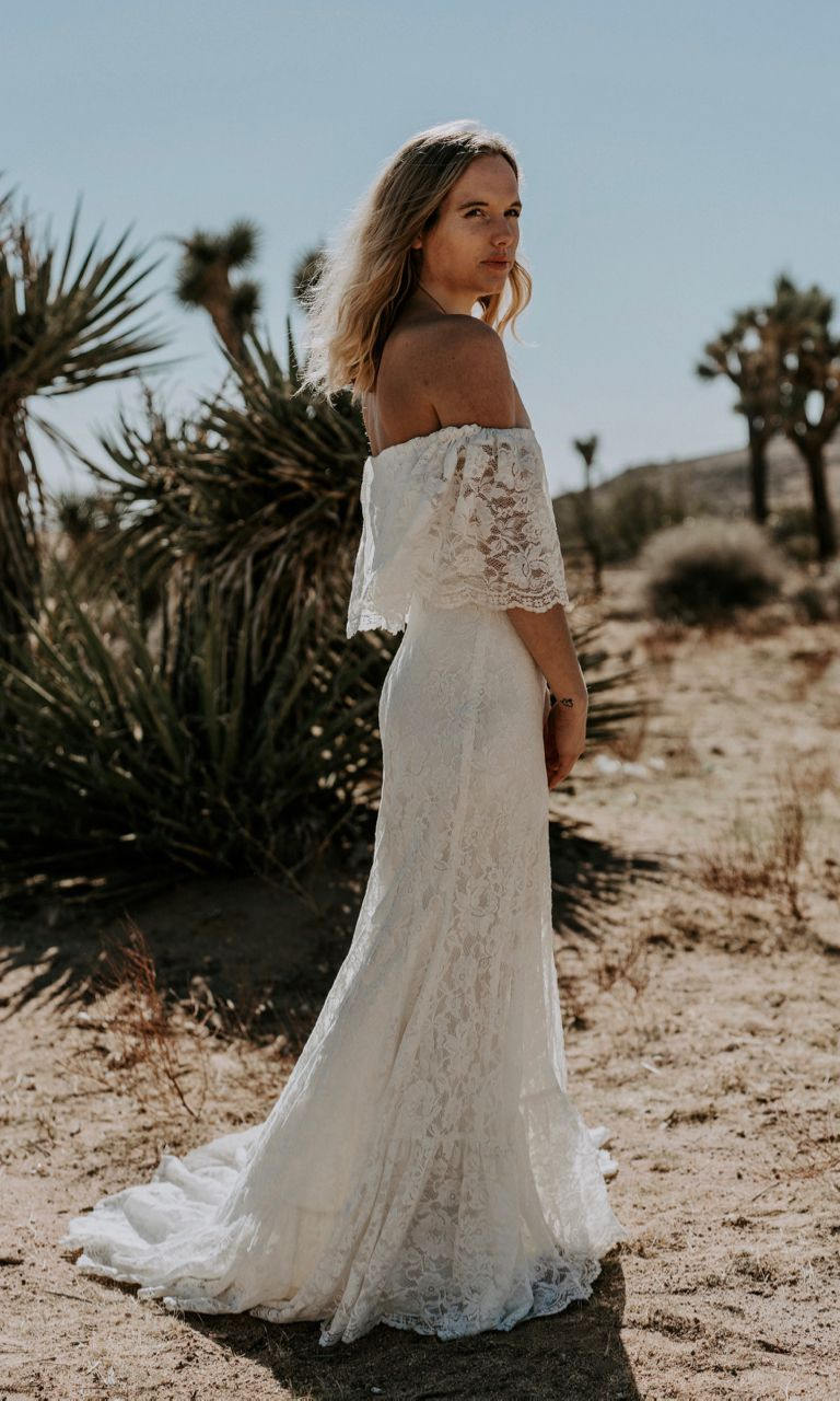 Wedding dresses for a beach wedding  Winnie  Boho wedding dresses u hair  Pinterest  Hippy wedding