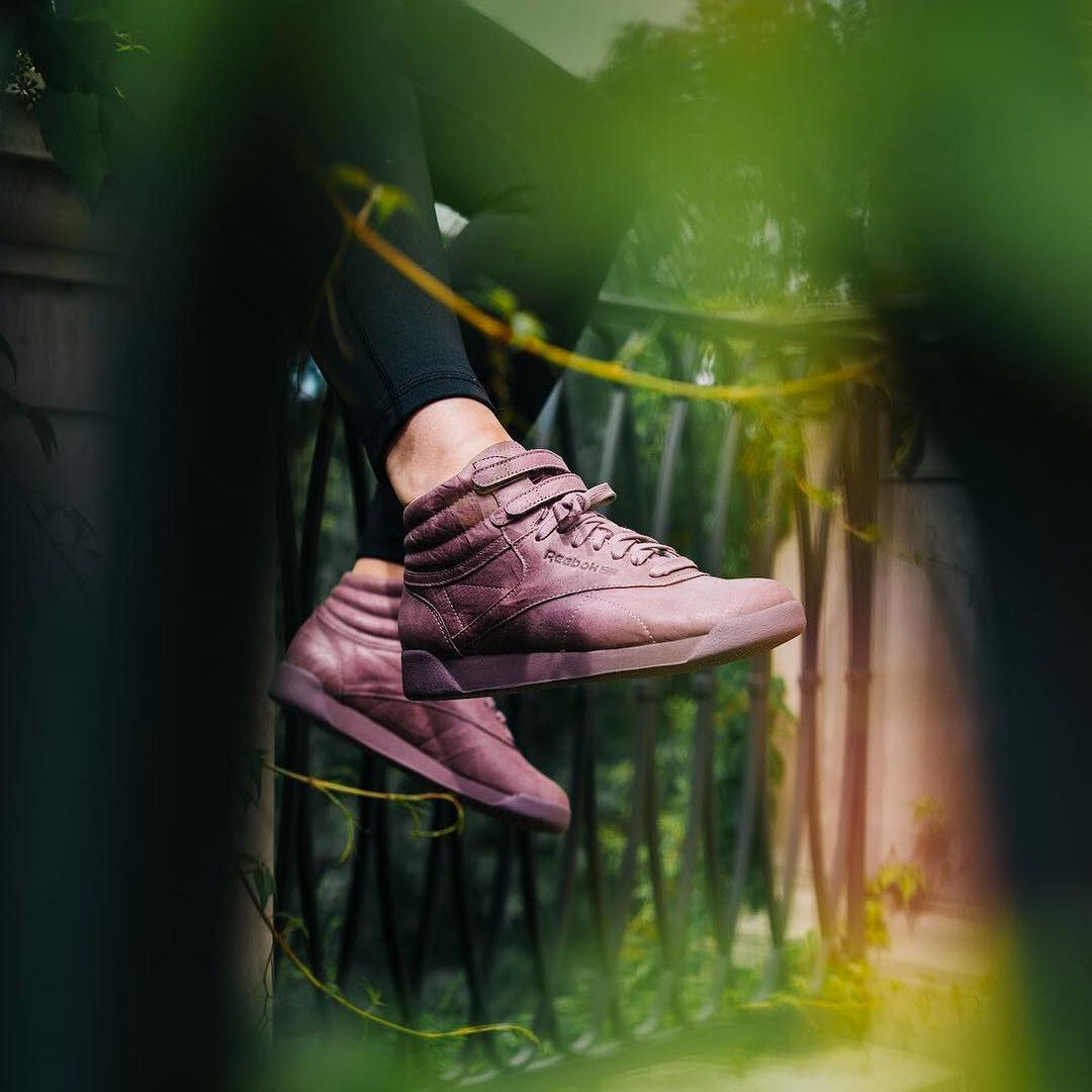 Reebok Freestyle Hi FBT Smoky Orchid . Disponible Available  SNKRS ... 843053464