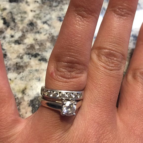 Authentic Movado diamond band Gorgeous platinum wedding band with 10