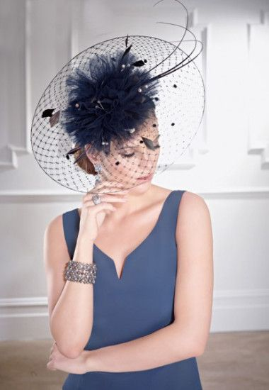 12 Chic Mother Of The Bride Headpieces Weddingsonline Mother Of The Bride Bride Headpiece Bride Hat