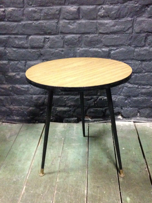 TABLE BASSE CIRCULAIRE VINTAGE