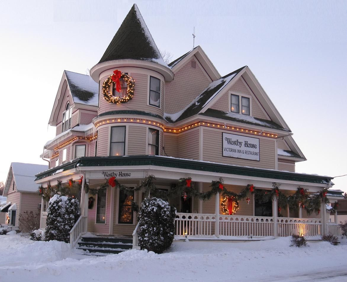Westby House Inn Christmas Garland « Wisconsin Bed and Breakfast ...