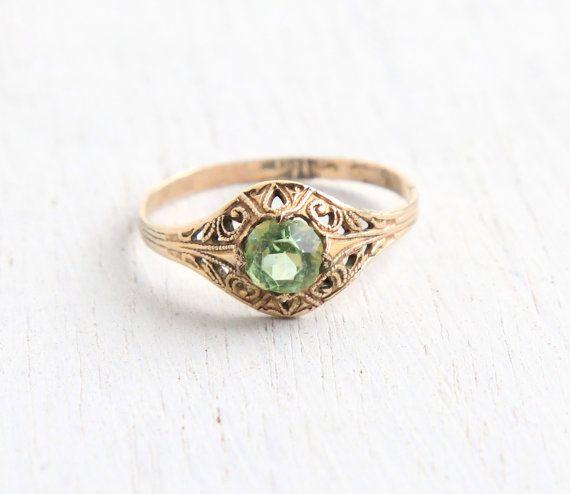 Vintage 10k Yellow Gold Filled Peridot Green Stone Ring Etsy Antique Rings Vintage Green Stone Rings Peridot Green