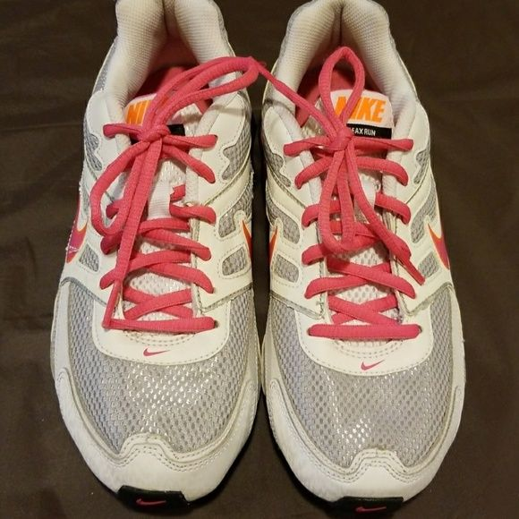 Shop Women s Nike Pink White size Boys grade school size 6..like a 7.5 in  womens Sneakers at a discounted price at Poshmark. Description  Cleaning my  closet ... 083c59f1e