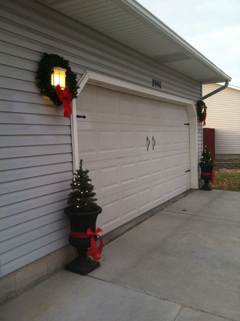 Beautifull Garage Christmas Decorations Christmasdecorationsforgaragelights Christ Garage Door Christmas Decorations Christmas Door Decorations Garage Doors