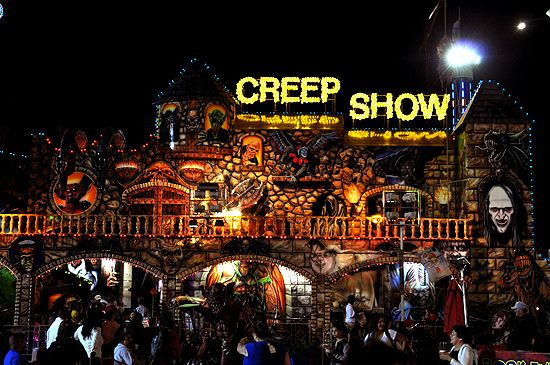I Mockery Com The Haunted Horrors Of The 2012 Los Angeles County Fair Horror House Haunted Attractions Fair Rides