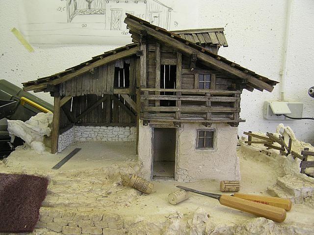 Weihnachtskrippe Bauen.Teilnehmer5 Ansicht Alpenländische Krippe 3 Beim Bauen Diorama