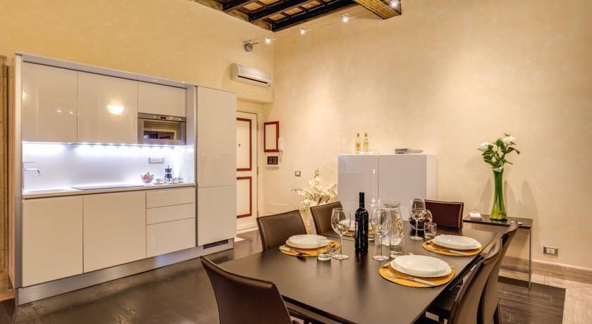"""Cozinha moderna e equipada: perfeita para um jantarzinho na """"sua casa"""""""