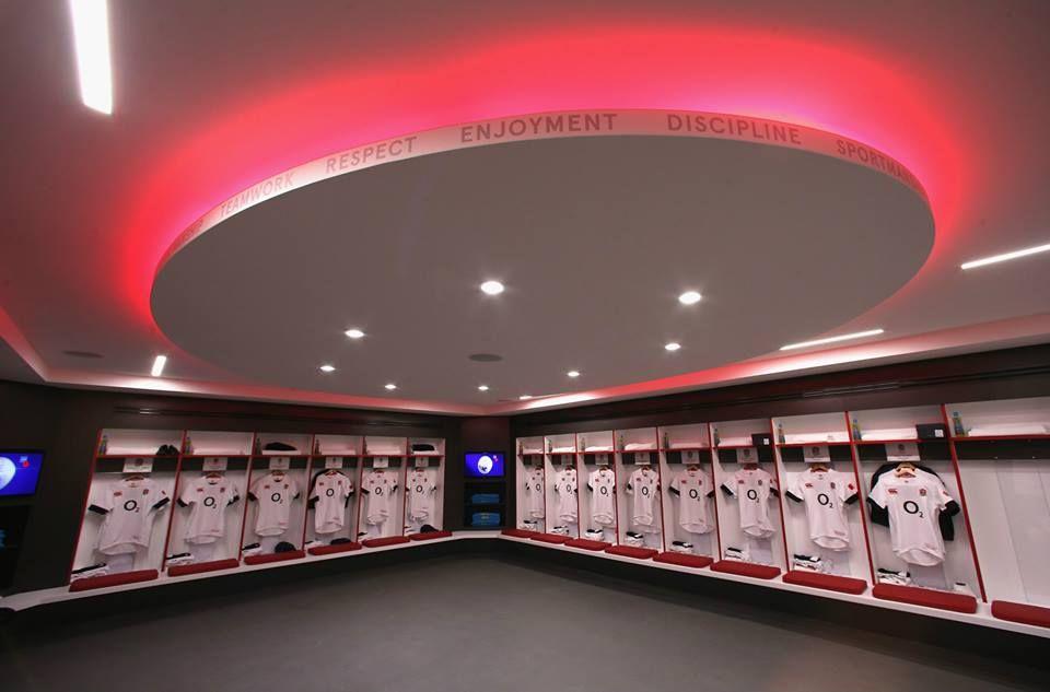 The new look England changing room at Twickenham Stadium featuring rugby's core values. Vigtigt for vores sport at vi er klar til at fremhæve kerneværdierne i konkurrencen med andre sportsgrene.