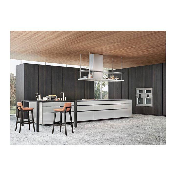 POLIFORM: Phoenix, Poliform R & D design. A kitchen characterized by ...