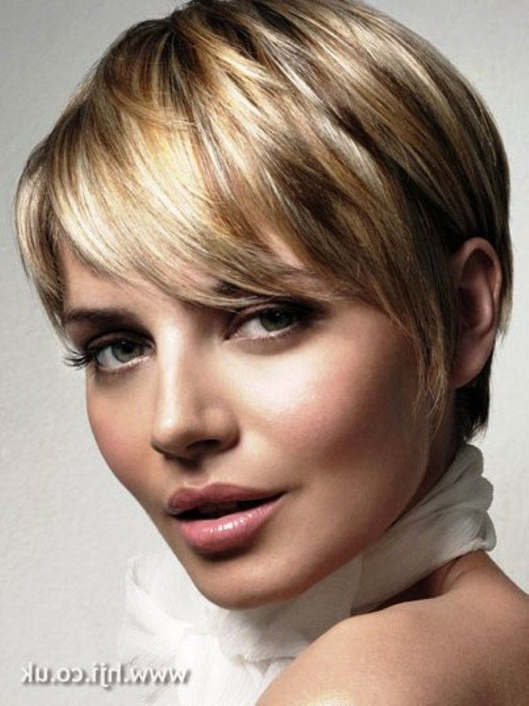 anne hathaway short hair blonde Google Search Cute