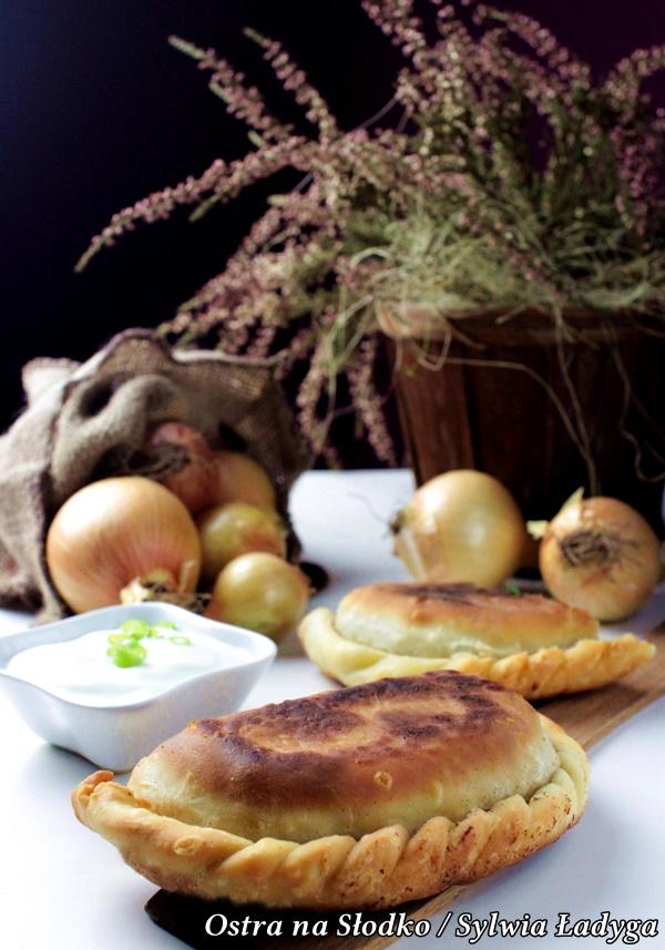 Czebureki Smazone Pierogi Z Miesem Kuchnia Tatarska Food Pierogies Recipes