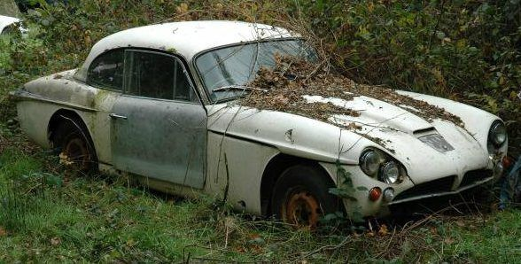 Classics In The Hedge: Yard Finds In Surrey #Projects #Jensen, #MG, #Scimitar, #Triumph - http://barnfinds.com/classics-hedge-yard-finds-surrey/