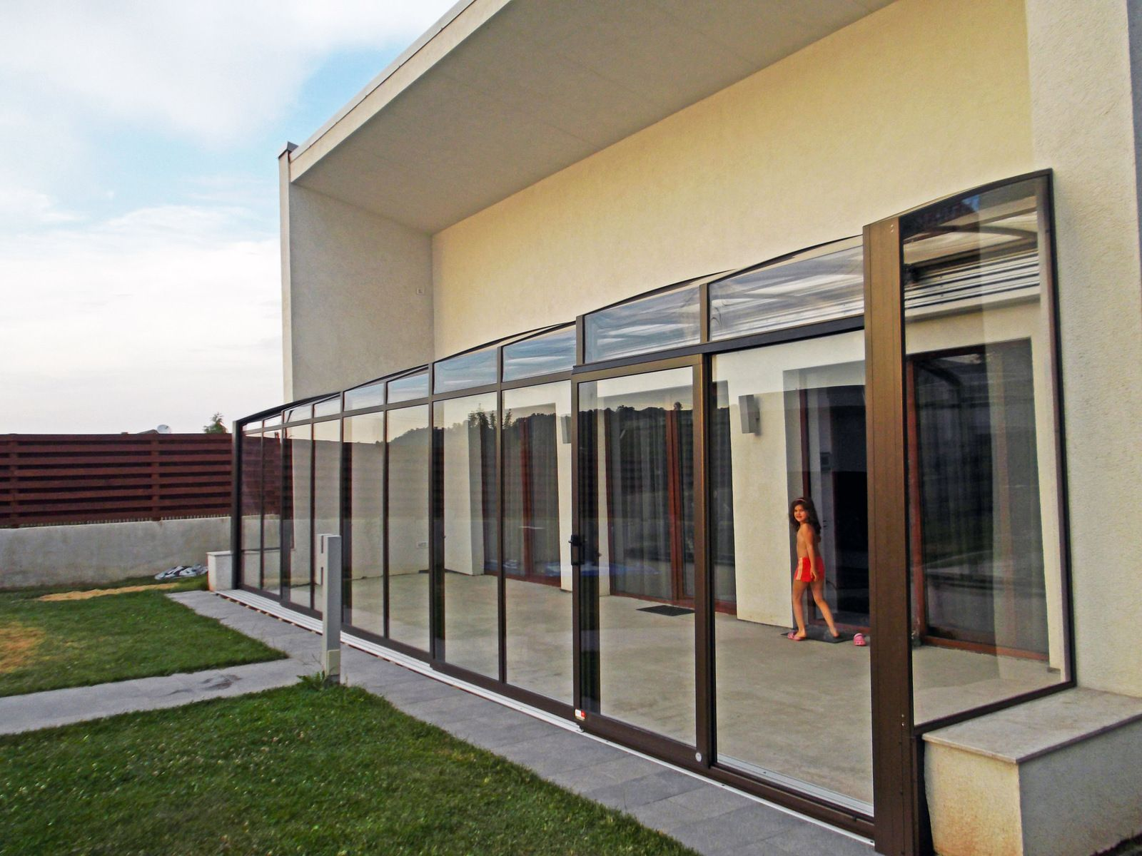 Narrow Terrace Enclosure Corso Made From Aluminium Profiles And Polycarbonate Safety Glass Panels Patio Enclosures Enclosed Patio Terrace