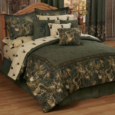 I will have this set for my bedroom! LOVE IT! Browning and whitetail deer :)