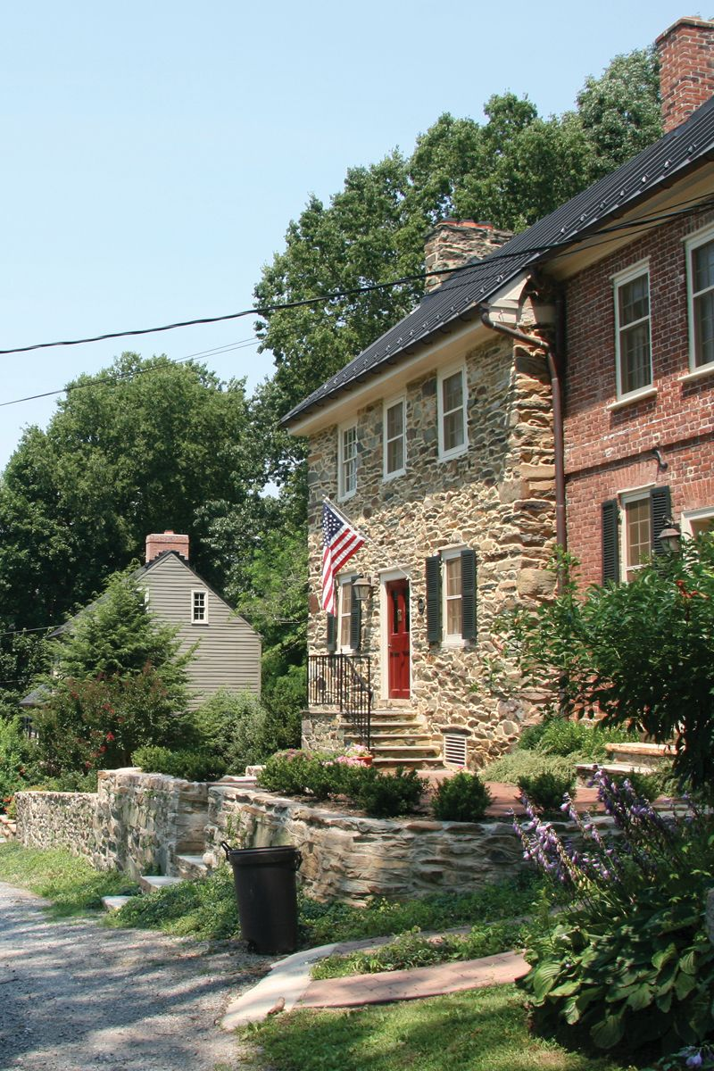 The Unique Village In Virginia That's Unlike Any Other In
