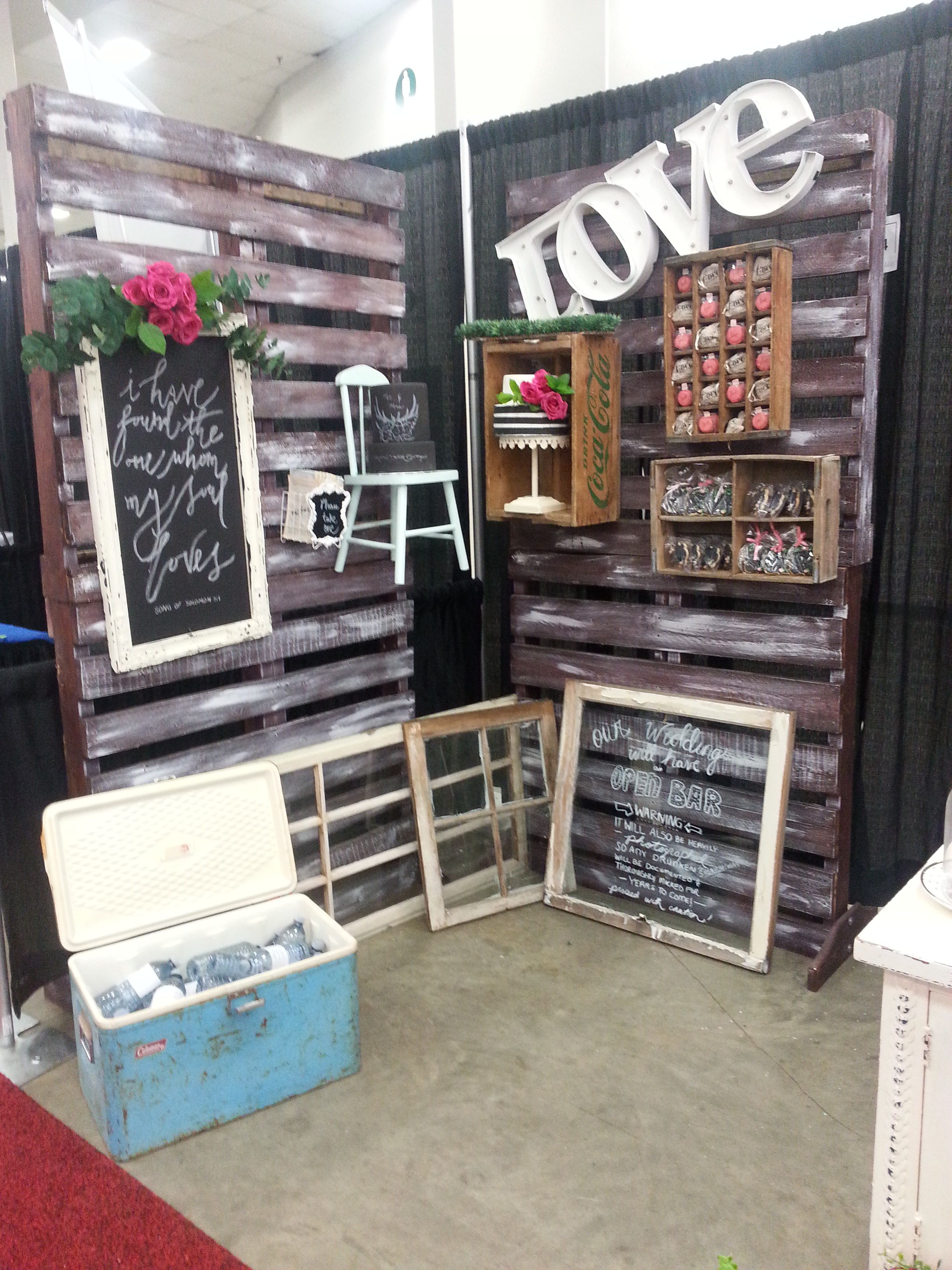 Trade show booth wedding show rustic decor vintage rentals something borrowed vintage decor - Show pics of decorative bedrooms ...