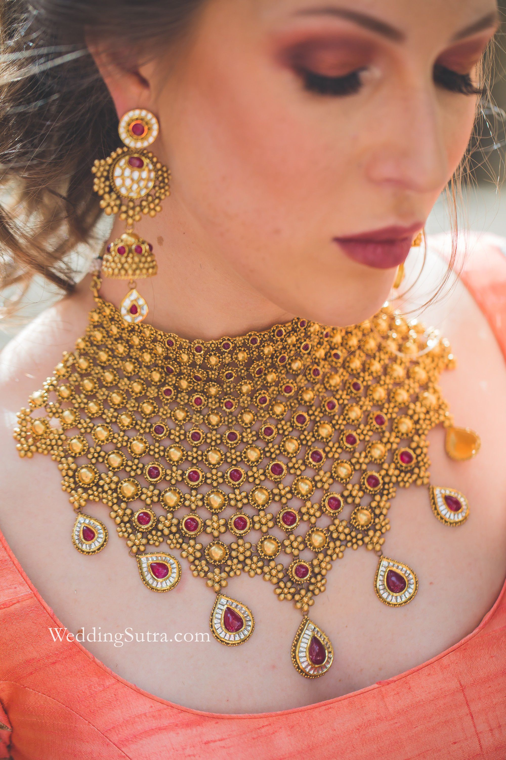 Modern Bridal Style With Azva Gold Jewellery Beautiful Gold Necklaces Gold Jewellery Design Buy Gold Jewelry