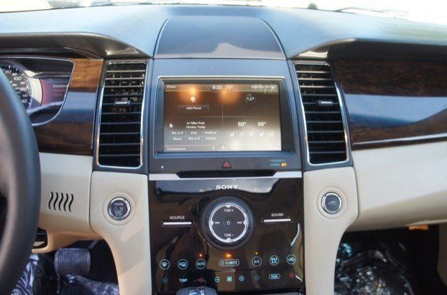 Center Console Of The 2014 Ford Taurus Limited Whitemarshford