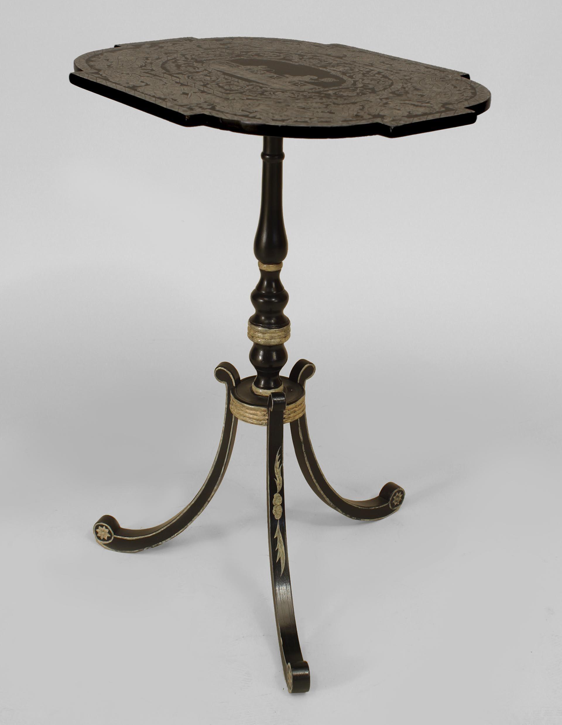 3 Antieke Bijzettafeltjes.English Regency Style Ebonized Pedestal Base End Table With Penwork