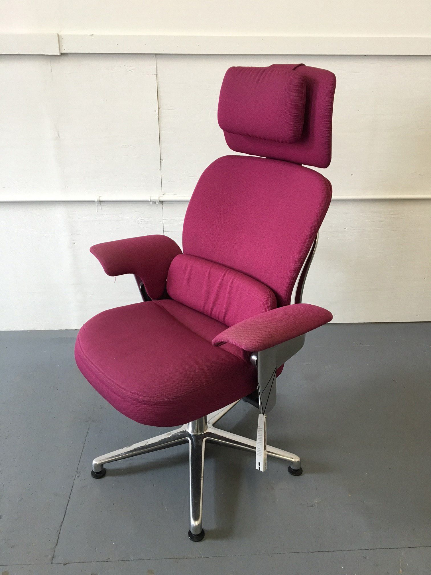 Surprising Steelcase Leap Work Lounge Conklin Pre Owned Furniture Creativecarmelina Interior Chair Design Creativecarmelinacom