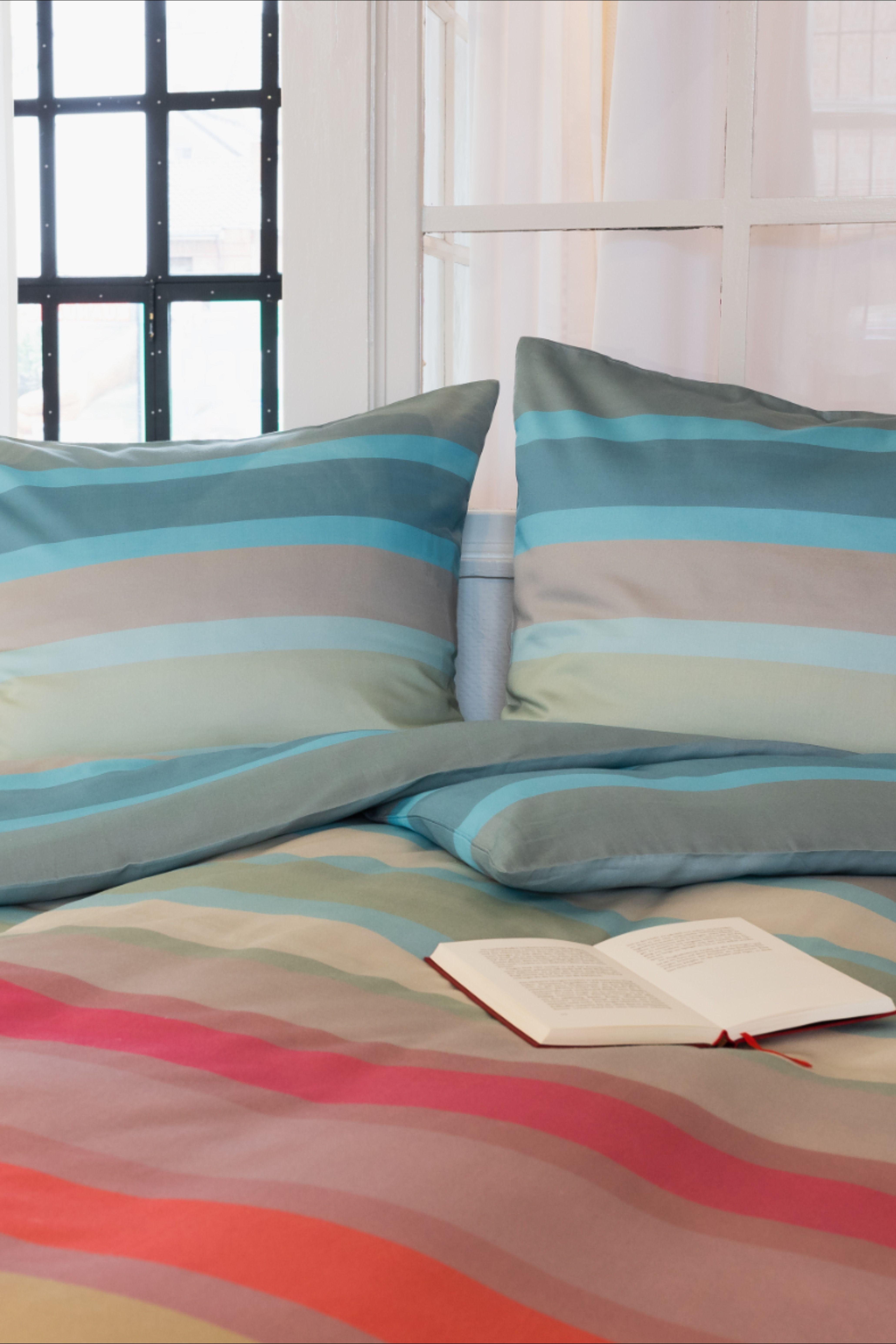 #bettwäsche #bedlinen #schlafzimmer #interior #interiordesign #bunt #streifen #bedroom #stripy #entspannen #auszeit #inspiration #bedroominspiration #christmas #weihnachten #gechenke