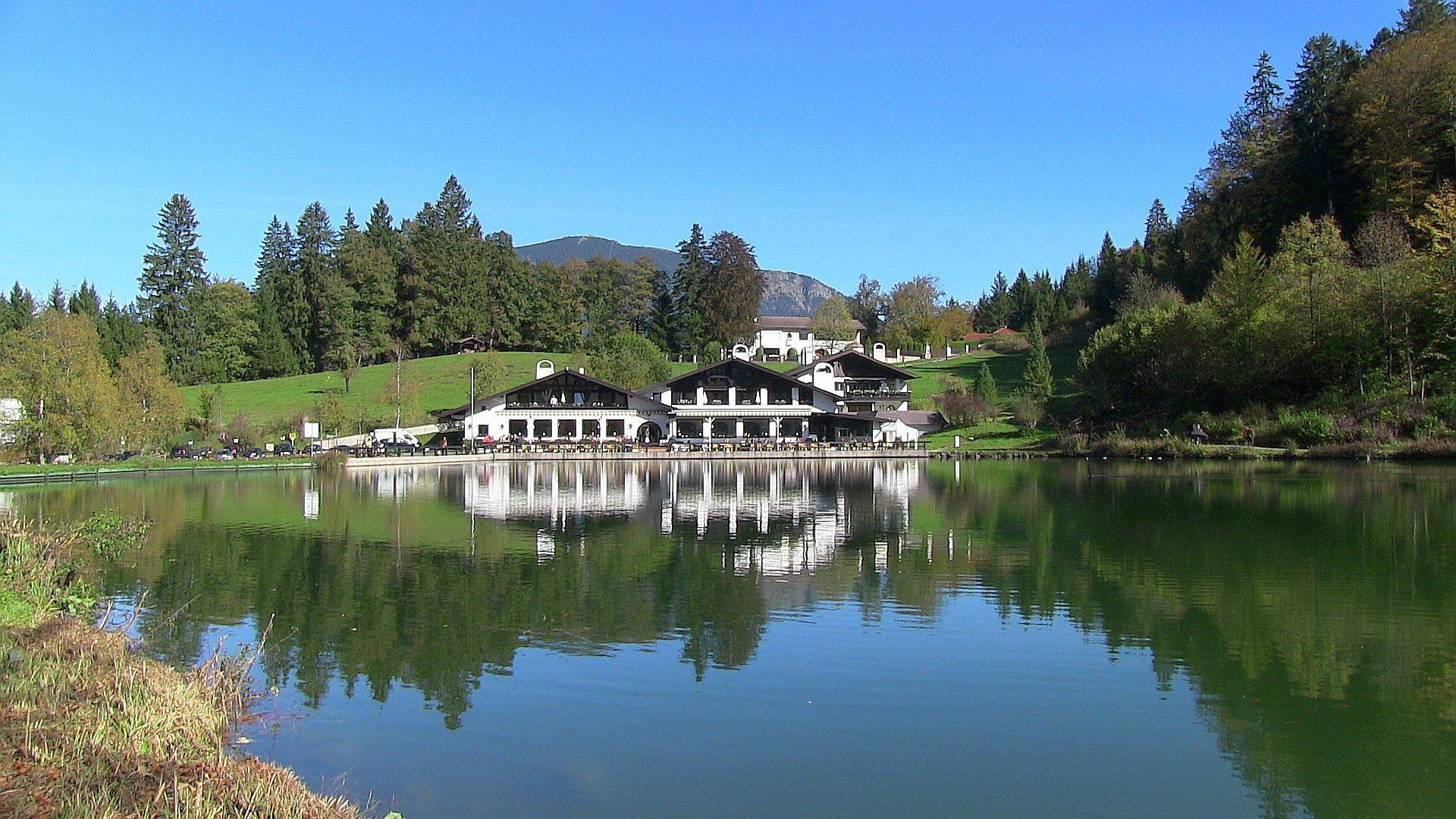 Riessersee Hotel in Garmisch Partenkirchen Seehaus Hochzeit Garmisch Bayern See Berge Natur wedding location wedding venue abroad Bav…