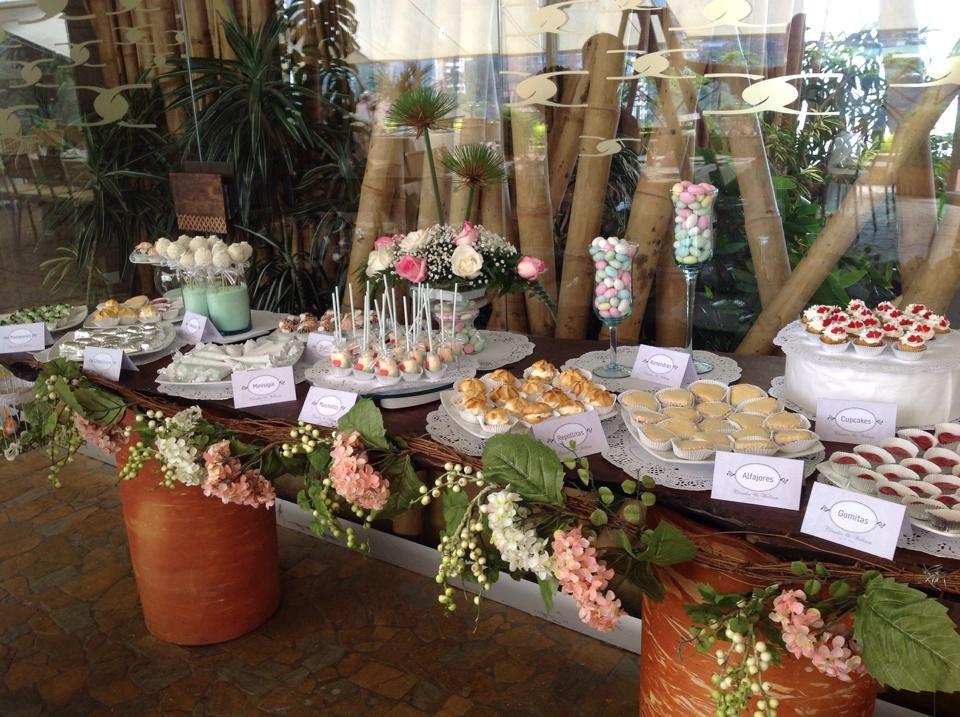 Mesa de postres terraz boda al aire libre boda diez for Bodas en el jardin botanico medellin