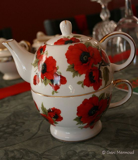 Poppy Teapot By Ginparis2002 Via Flickr Teekanne Porzellan Mohnblume