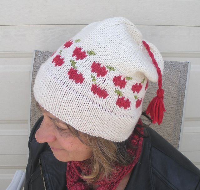 McIntosh Apples hat by Brenda Castiel, knitted by ...
