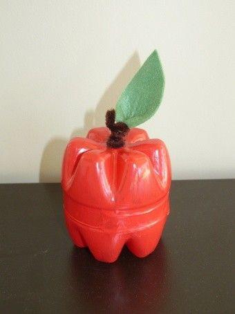 Pomme en bouteille plastique pomme rouge le verger et nous sommes - Bricolage avec des bouteilles en plastique ...
