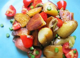 Denny Chef Blog: Insalata tiepida di patate, pomodoro, olive e aglio