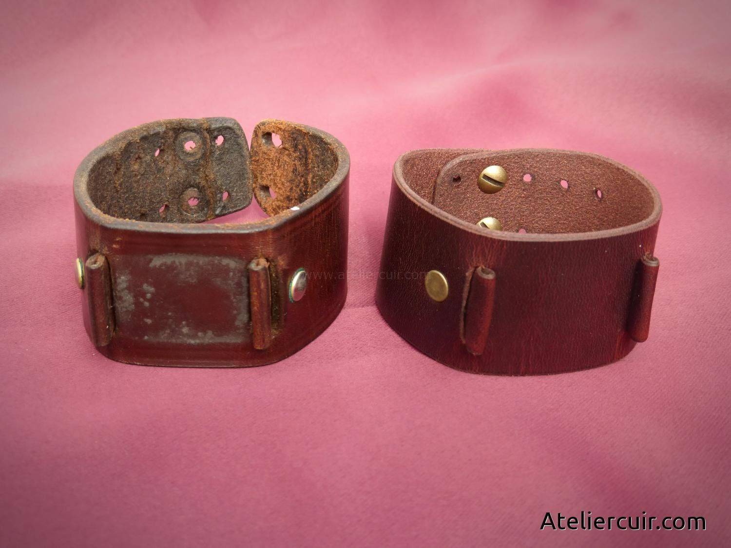 Reproduction d\'un bracelet montre en cuir abîmé, fourni par le ...