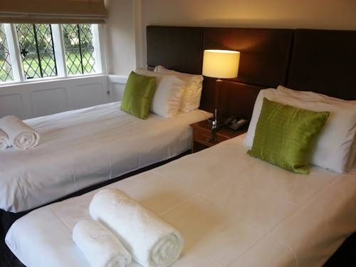 Thornbury Lodge Thornbury, Bristol Thornbury Golf Lodge is set in the market town of Thornbury and dates from the mid-1500s. It features individually decorated rooms and is part of Thornbury Golf Centre.