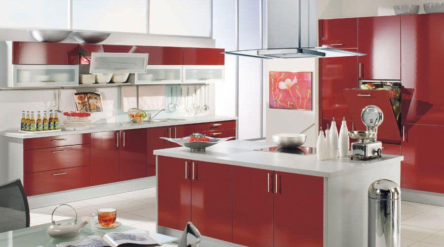 fronten in hochglanz rubinrot in 4 weiteren farben lieferbar kuechen. Black Bedroom Furniture Sets. Home Design Ideas