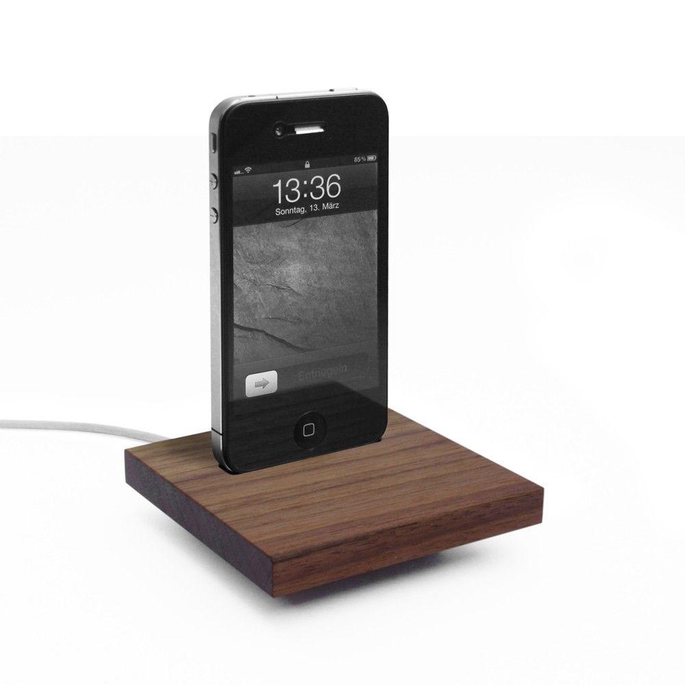 iPhone 4 Docking Station aus Nussbaum | IPhone Docks ...