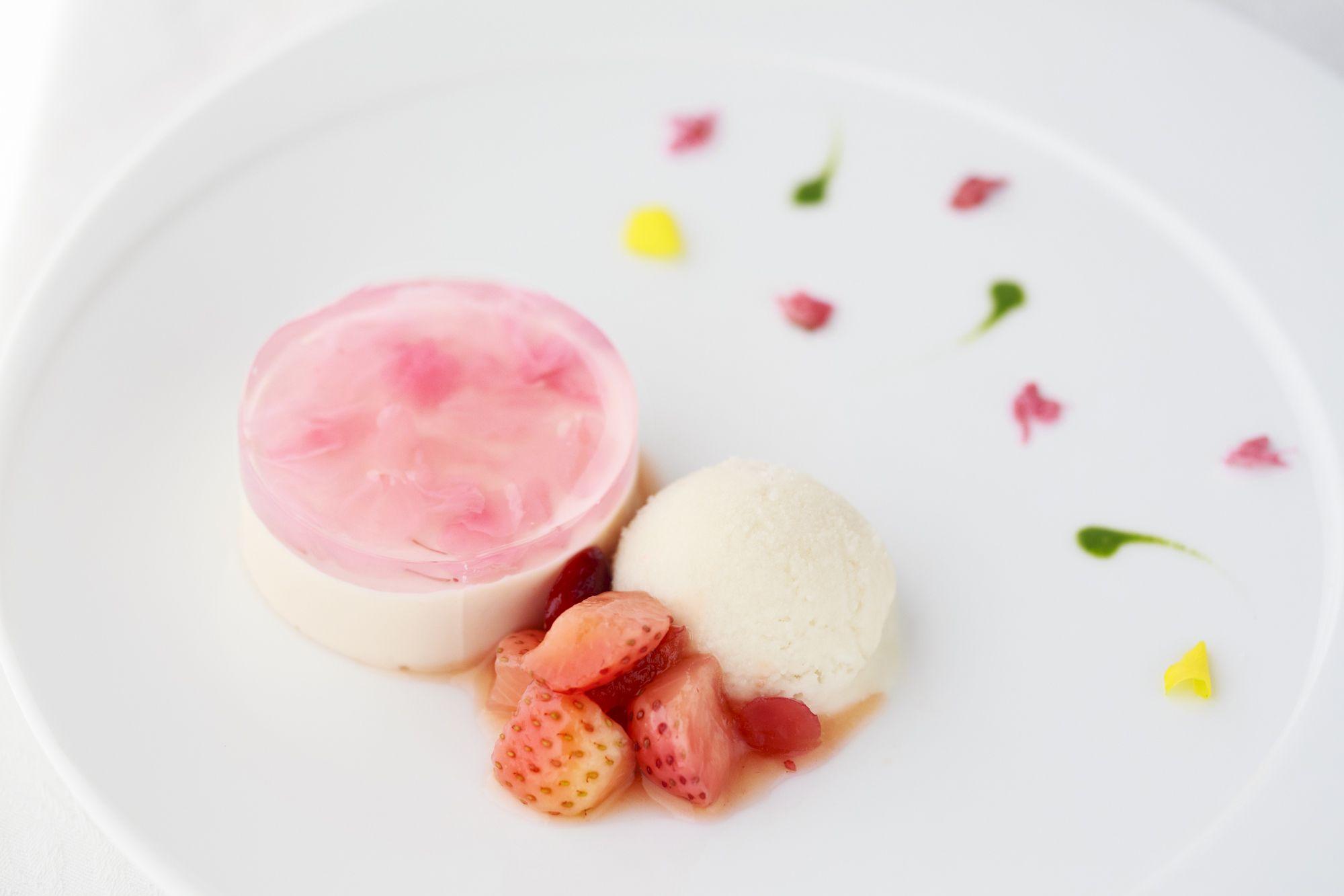 ★桜レアチーズケーキ★苺のバルサミココンポート★甘酒美肌アイスクリーム