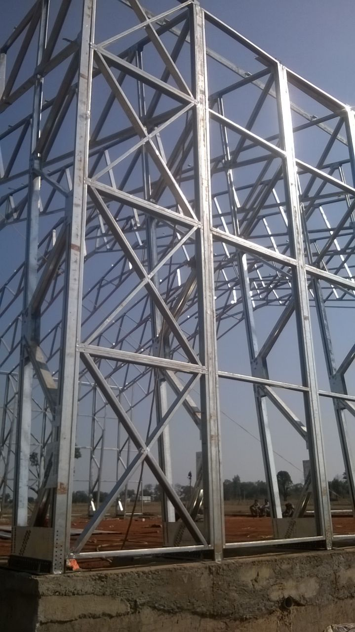 How high can we go with light weight steelframe the for Casa minimalista steel framing