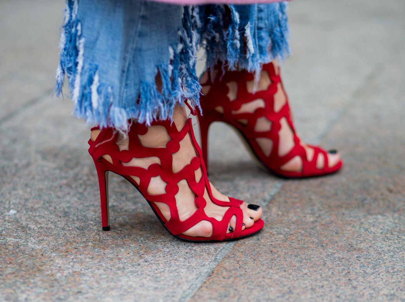 Breite Fusse Das Sind Die Besten Sandalen Zum Shoppen Schuhe Fur Breite Fusse Fusse Stockelschuhe