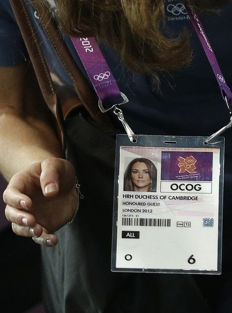 04a804f01a60 the duchess carrying a black longchamp le pliage to an olympic handball  event.