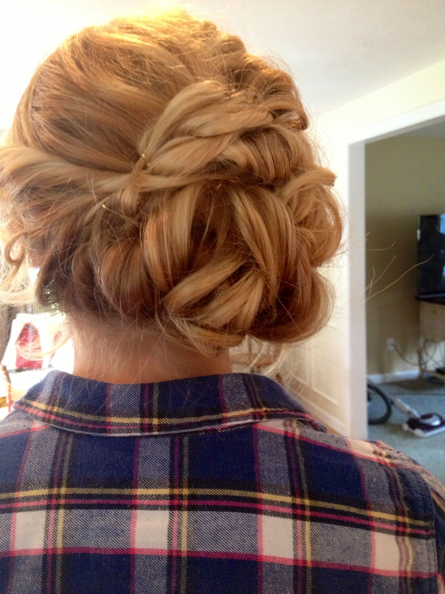 Blonde up do for prom | Hair, Formal hairstyles, Long hair ...