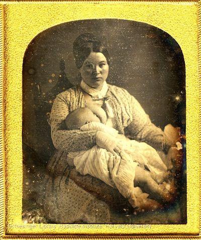 Retratos victorianos tomados durante sesiones de lactancia