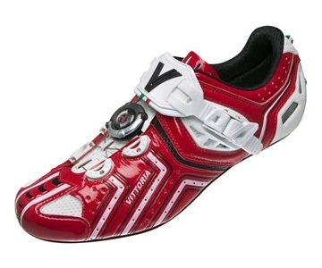 Vittoria HORA Review - Cycling Shoes - http://endthetrendnow.com/vittoria-hora-review-cycling-shoes/