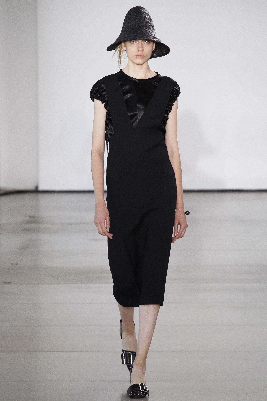 Jil Sander Spring 2016 Ready-to-Wear Fashion Show - Odette Pavlova