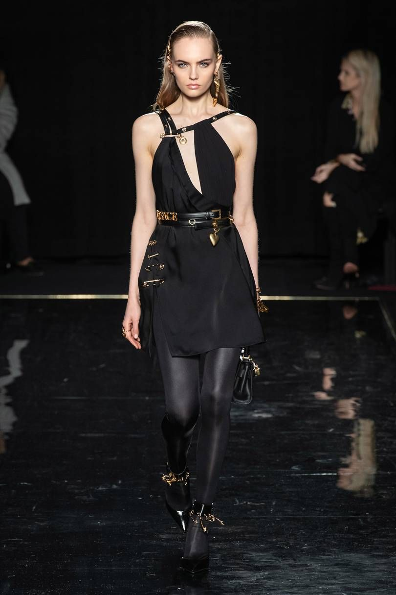 Versace Autumn/Winter 2019 Pre Fall | Fall 2020 Trends ...