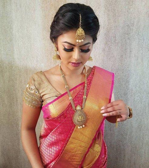48 Stylish Wedding Hairstyle Ideas For Indian Bride Vis Wed Indian Bride Hairstyle Indian Bridal Hairstyles Indian Hairstyles