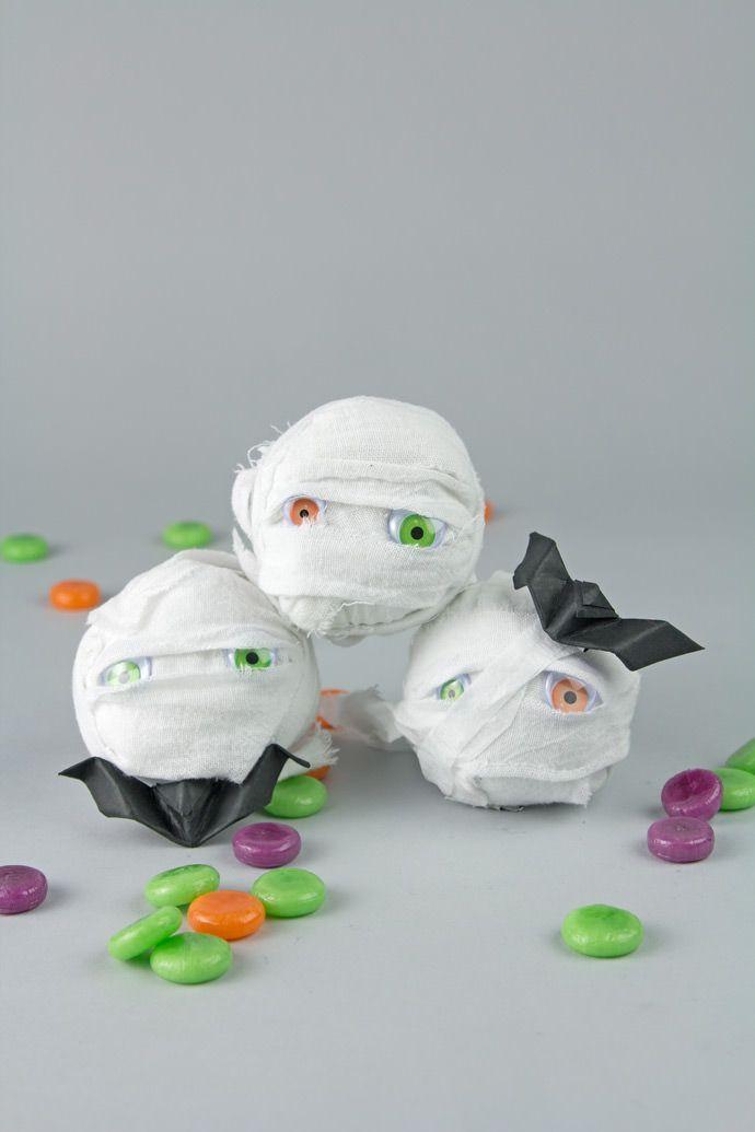 Mummy Surprise Ball Party Favors   Golosinas, Ideas de fiesta y ...