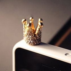 Elegant Sweet  Style Crown Shape Rhinestoned Cellphone Dustproof Plug For Iphone4 $5.03