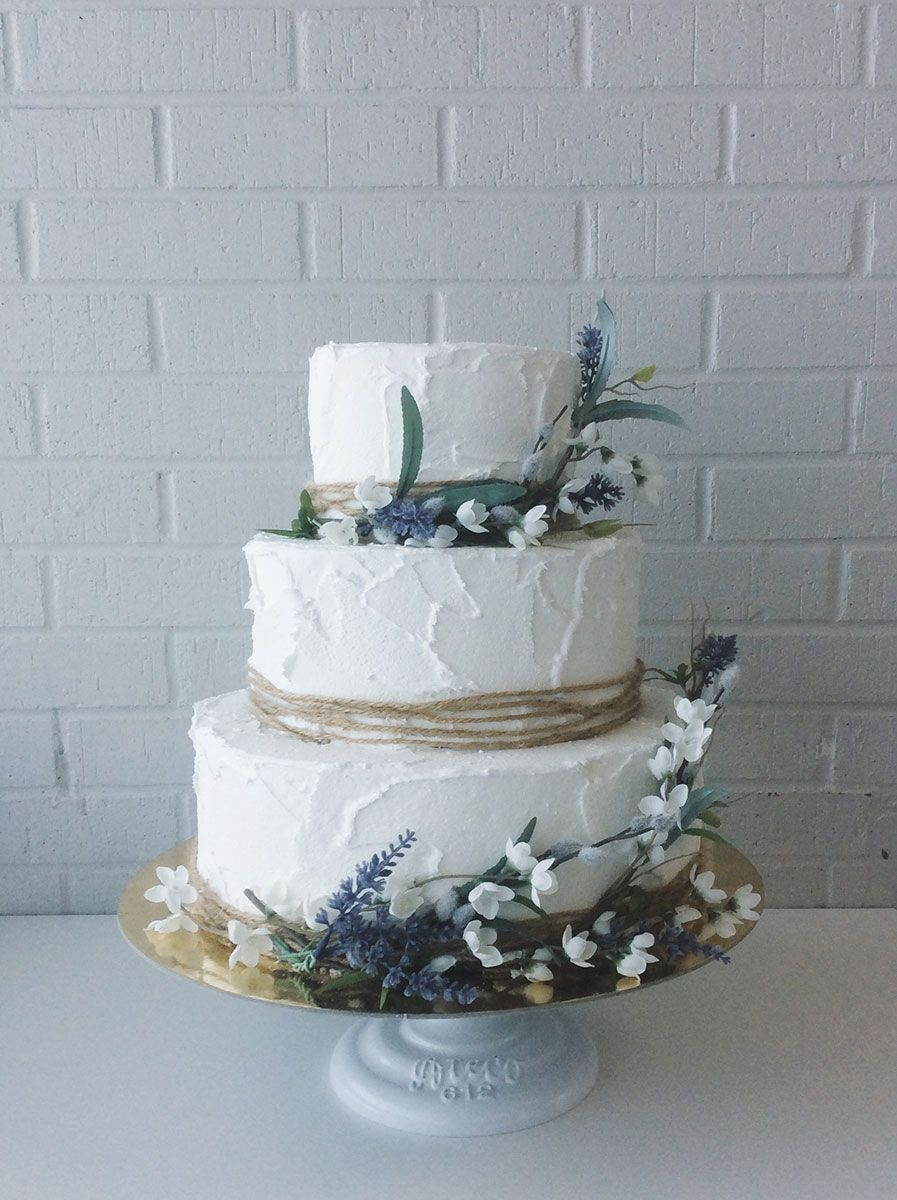 Rustic Rough Iced With Twine And Flowers Ercream Icing Cake Wedding 2017