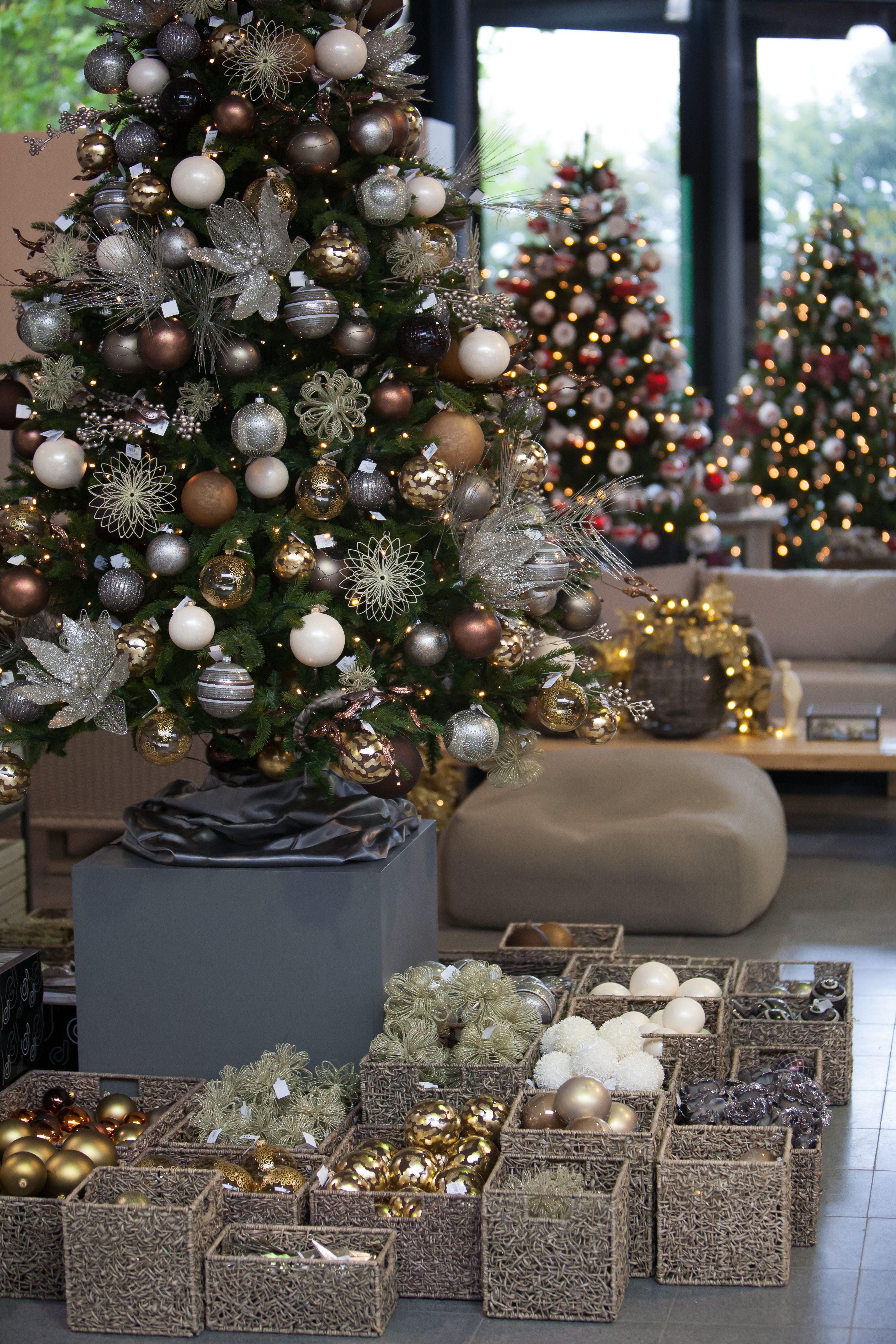 Alles Voor Een Unieke In En Outdoorbeleving Kerstboom Versieringen Thema Kerstbomen Diy Kerstversiering
